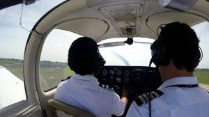 estudiantes-aspirantes-a-piloto-768x432